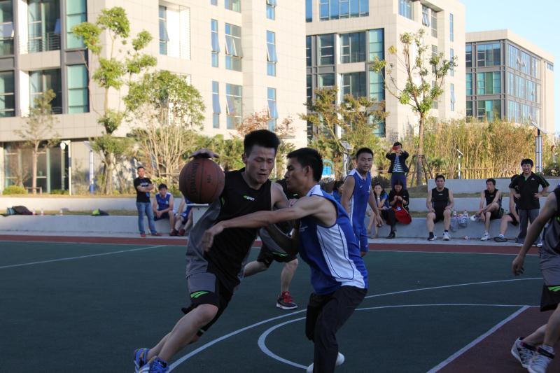 精明乐拉VS上海超诚篮球友谊赛